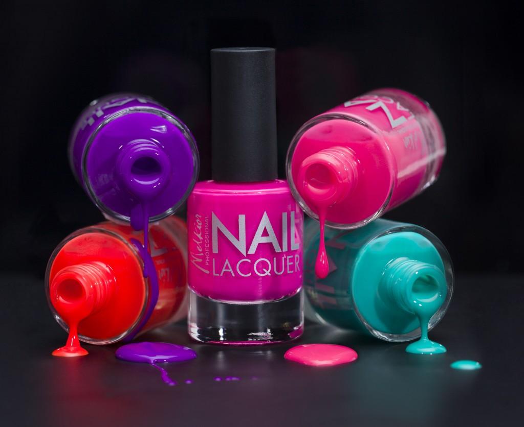 Culori neon pentru unghii MELKIOR 29lei