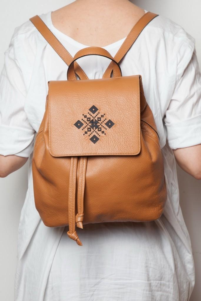iuttaHawk-backpack