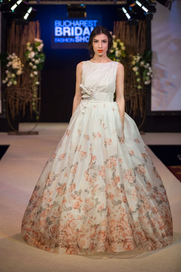 Nunți 2016 Rochii și Buchete In Tendințe La Expomariage Urbandivaro