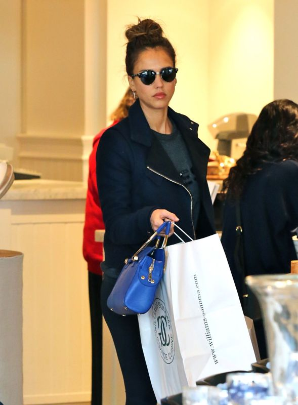 Jessica Alba shopping in Beverly Hills.