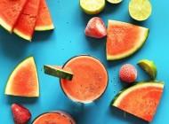 Rețete de vară: Sunset Smoothie cu pepene și căpșune